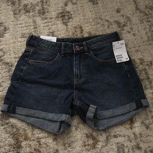 H&M regular waisted denim shorts